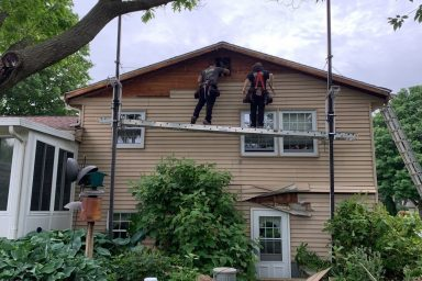amish contractors in lancaster pa installing siding